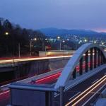国道299号バイパスから見る秩父の山並みと夜景